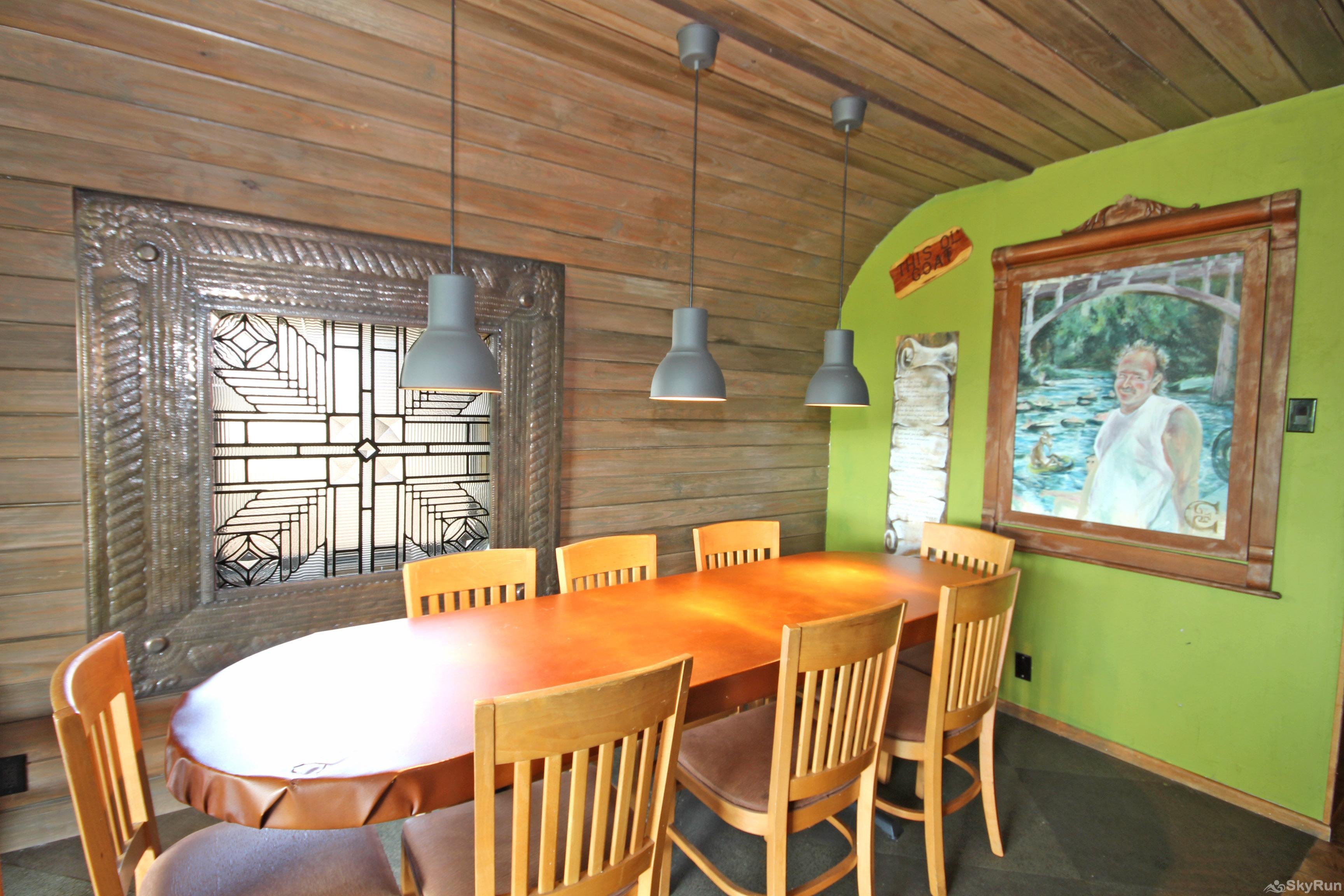 LUCKY GOAT HOUSE Dining Area