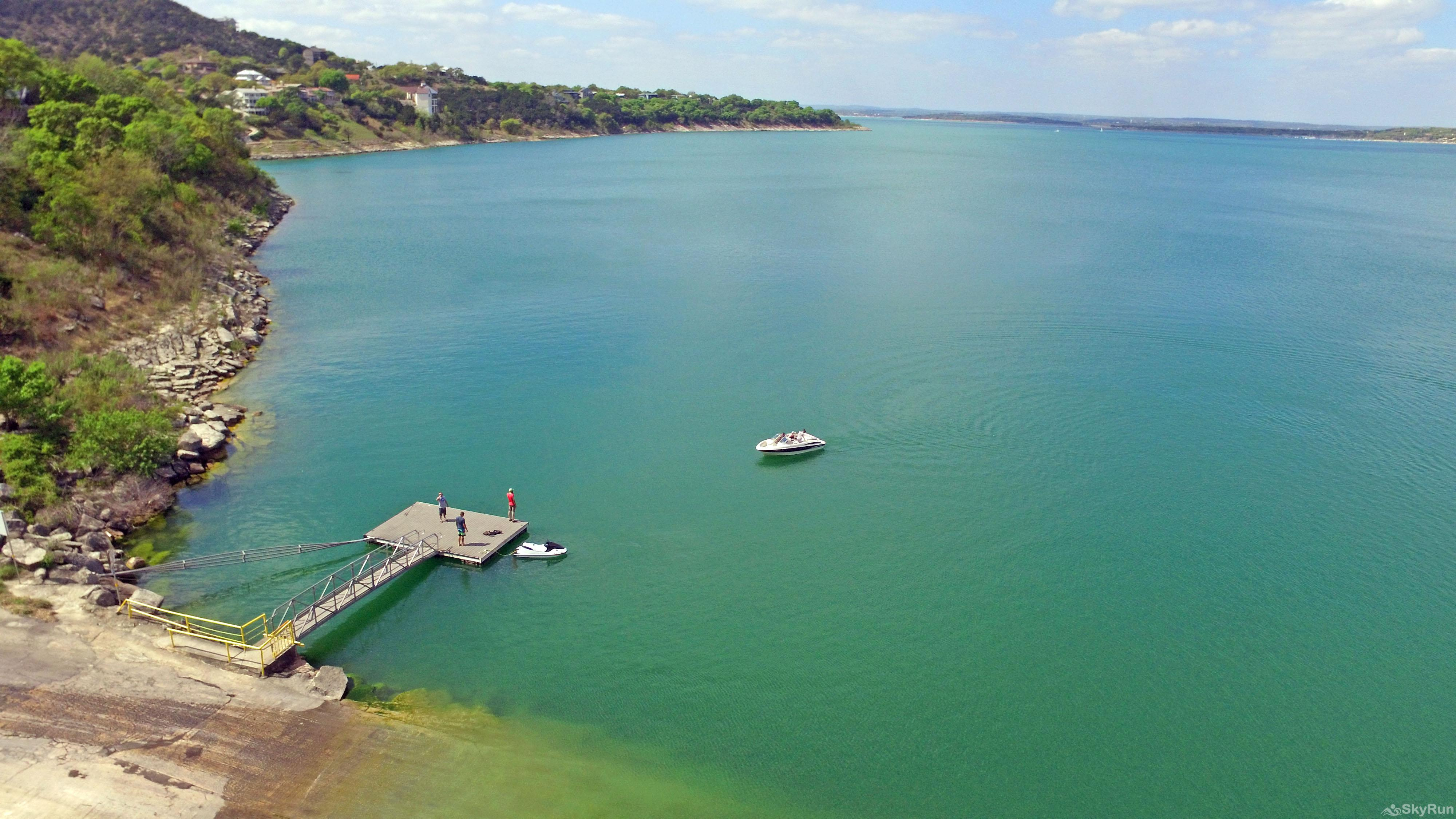 WATERWHEEL ESCAPE CONDO Scenic Canyon Lake, 16 Miles Away